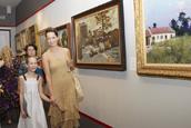 Olga Kabo with daughter.