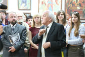 Виктор Иванов на открытии своей выставки в Рязанском музее